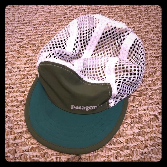 95c1a66854a Patagonia Duckbill Cap Hat. M 5ad573db5521be23f9e69bb6